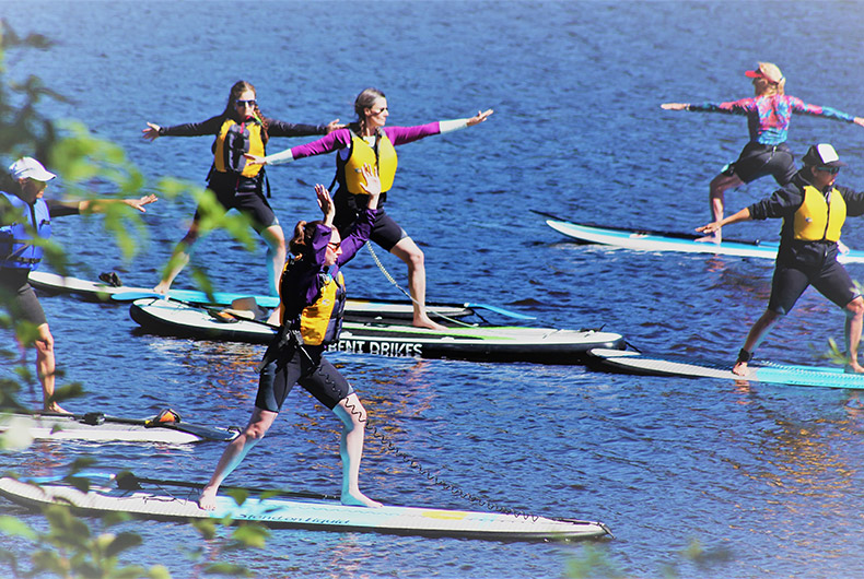 STANDUP PADDLE & SUP YOGA CAMPS