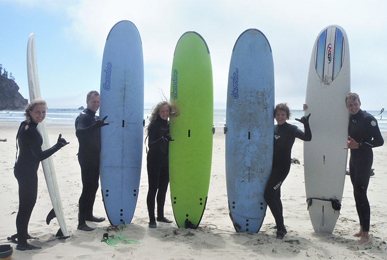 SURF & STANDUP PADDLE LESSONS